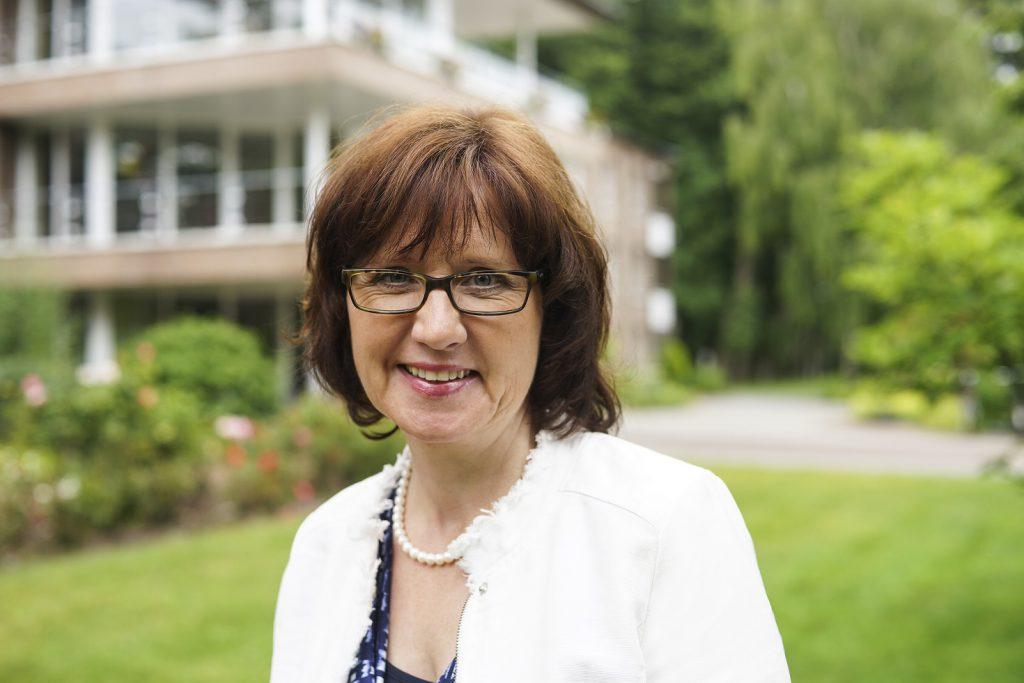 Anna Strohschnieder-Tammen leitet das Johannesstift in Papenburg. Foto: Denise Kiesow, Marien Hospital Papenburg-Aschendorf