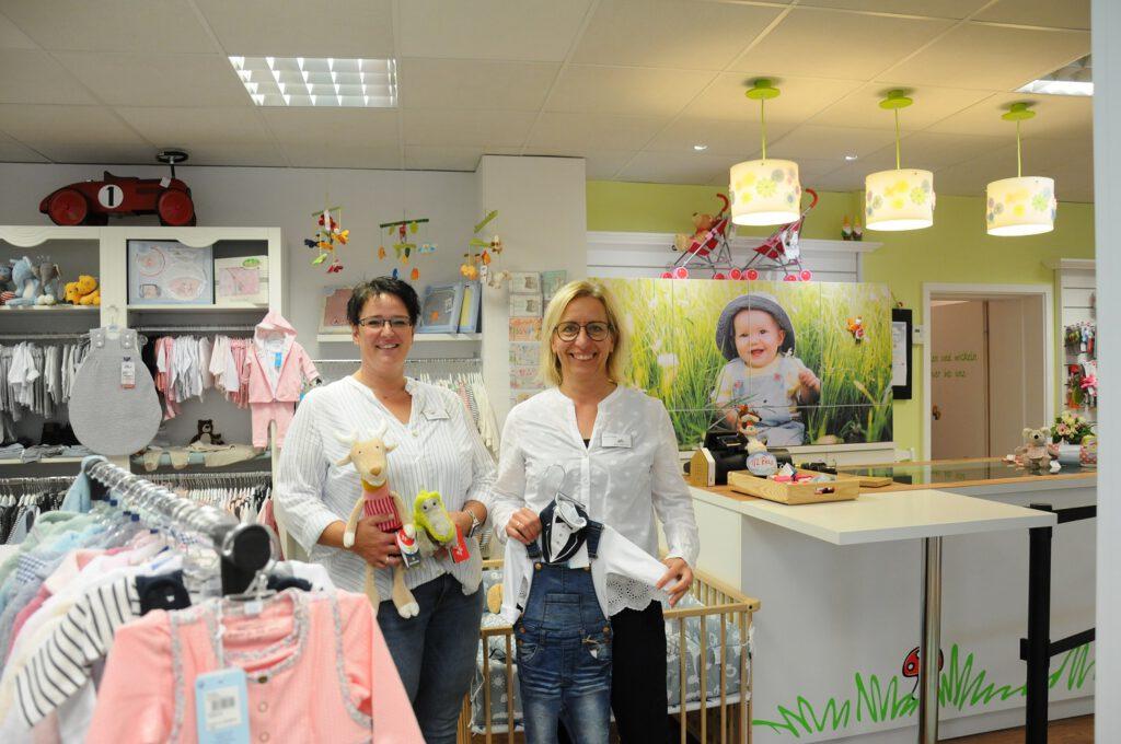 Judith Pennemann und Katrin Pieper vom Windelzwerg in Papenburg. CA-Foto