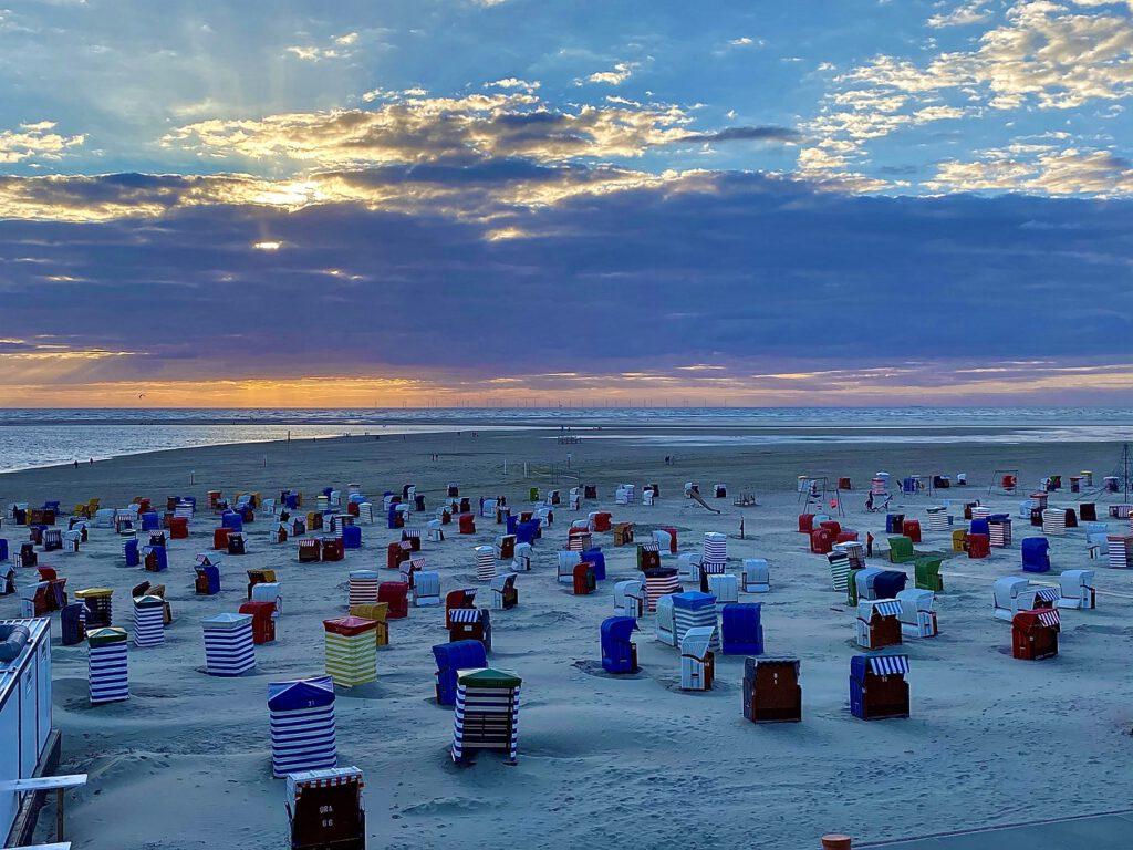 Wann können die Urlauber wieder an den Strand von Borkum? CA-Foto