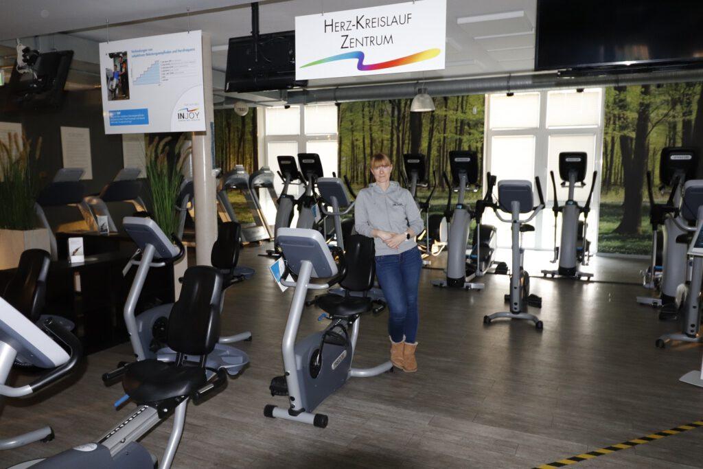 Injoy-Trainerin Verena Hockmann im verwaisten Fitnessstudio. CA-Foto