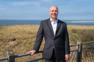 Göran Sell ist Chef der Nordseeheilbad Borkum GmbH. Foto: Torsten Dachwitz, Nordseeheilbad Borkum GmbH